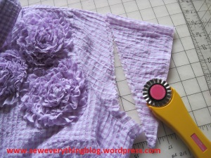 sleeves chopped with scalloped cutter
